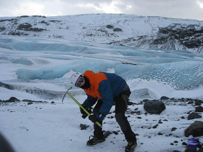 Viaje donde fue tomada la foto Islandia Breve descripción personal de la foto  parada tecnica en el glaciar Categoría de la foto en la que participa 1.- Foto con más espíritu de exploración