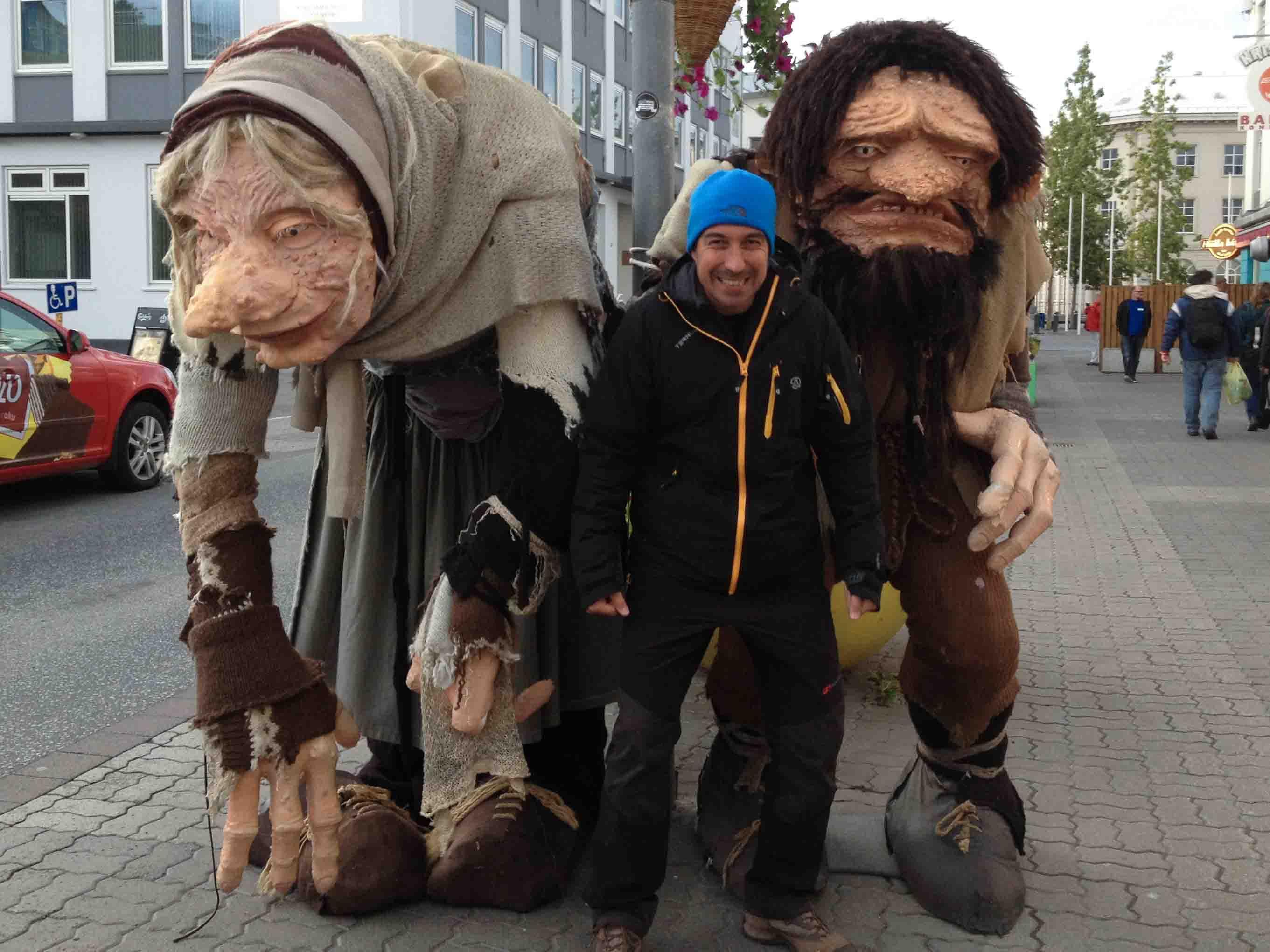 Tarde libre en Akureyri donde Haciendo nos hicimos amigos de los trolls.  Categoría: Foto más divertida