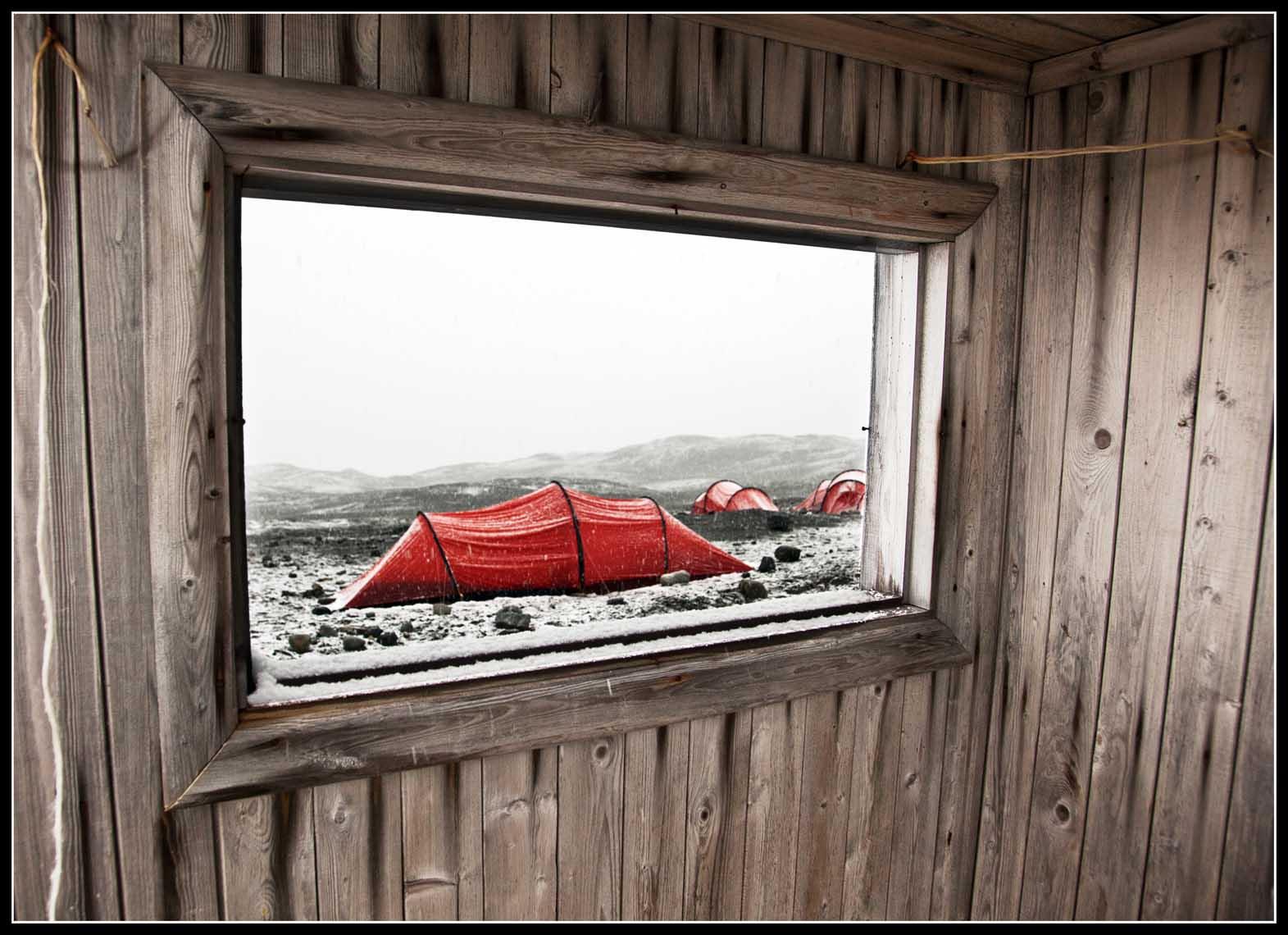 VIAJE: SVALBARD AGOSTO 2013 CATEGORIA: TU FOTAZA Foto sacada durante la tempestad desde las cabañas de los suecos,  fue nuestro provisional refugio. Fiordo YMERBUKTA.