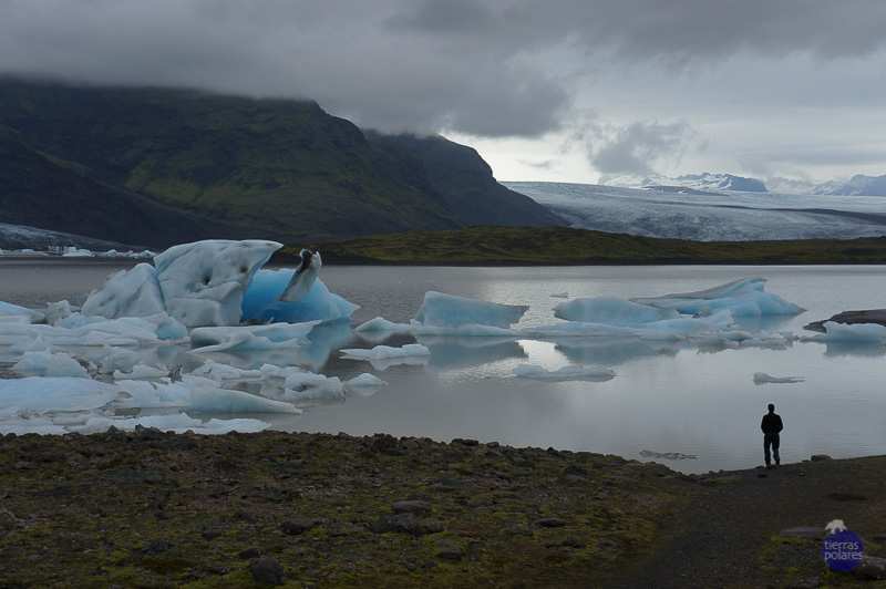 Viaje donde fue tomada la foto: Islandia Ruta del Sur del 22 al 29 de agosto Breve descripción personal de la foto: esta foto refleja las sensaciones que hemos experimentado en todo el viaje, transmite inmensidad, belleza, naturaleza pura y perfecta. Categoría de la foto en la que participa: 3. Tu Fotaza